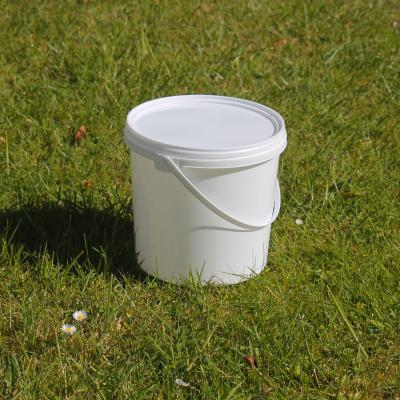 Pack of Five White Plastic Buckets with Lid and Handles 2.5L